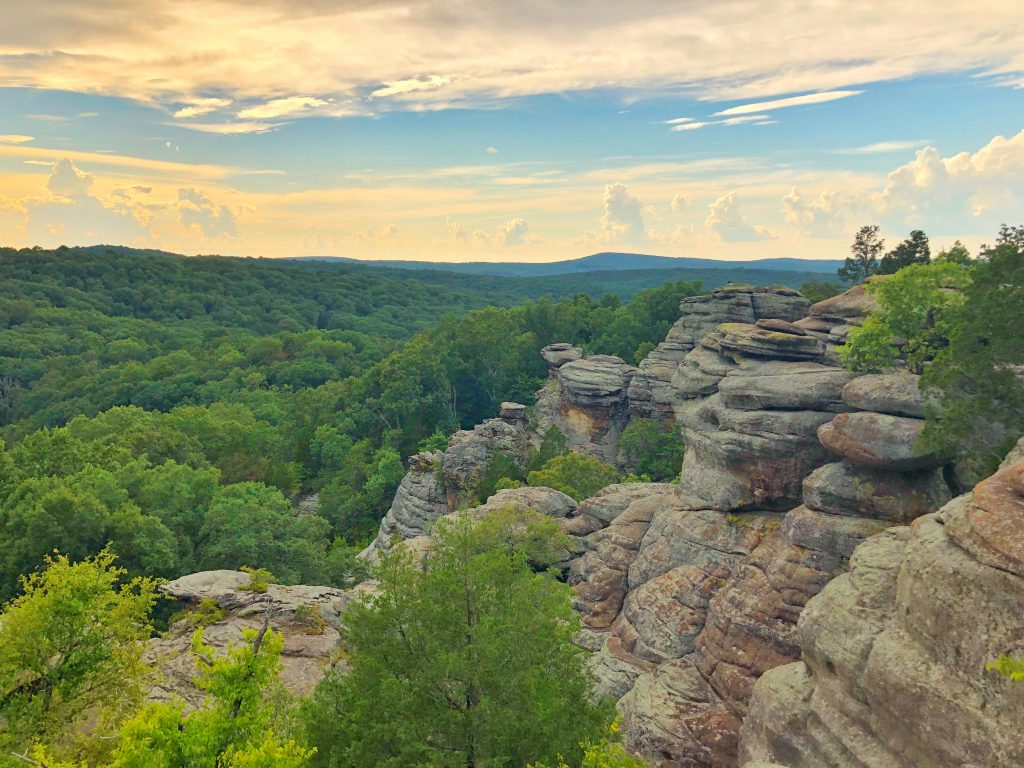 garden of the gods southern illinois harrisburg shawnee national forest hiking budget travel - Shawnee National Forest Garden Of The Gods